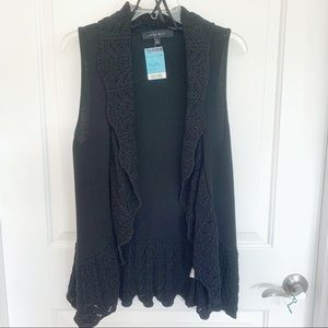 NWT Black lacy ruffle vest. Nine West. Size: L